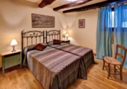 Casa-Rural-Pedronea-Habitacion-doble-01-200x140.jpg