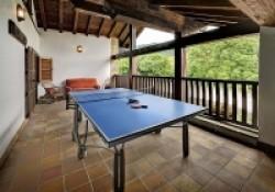 Casa-Rural-Pedronea-terraza-superior-juegos-200x140.jpg