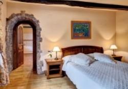 Casa-Rural-Pedronea-Habitacion-suite-02-200x140.jpg