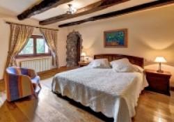 Casa-Rural-Pedronea-Habitacion-suite-01-200x140.jpg